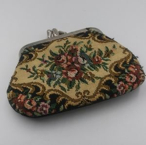 Tapestry Coin Purse Petit Point Double Kiss Look
